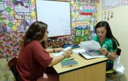 Lớp kỹ năng Listening – Speaking, Khóa Tiếng Anh thương mại Business English của Trường ZA English